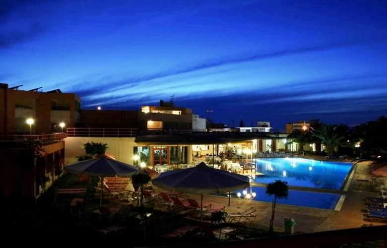 Rethymno Village - Pool - 10