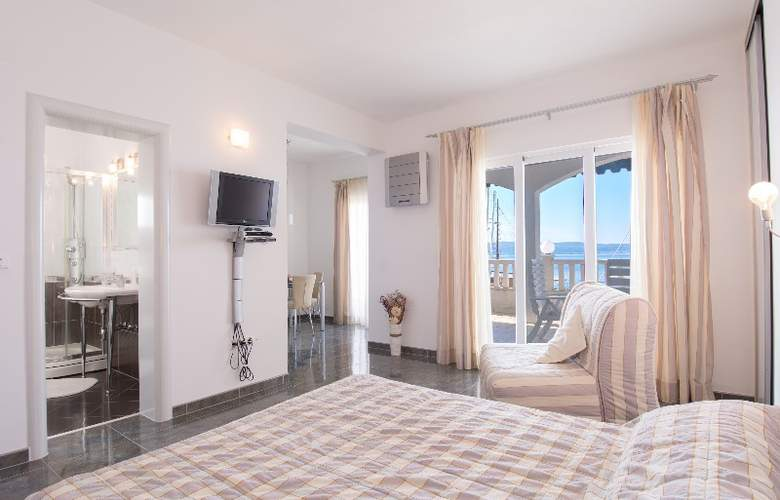 Apartments Duje - Room - 5