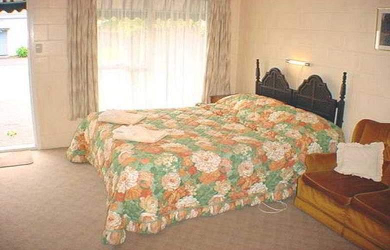 Cranford Court Motel - Room - 0