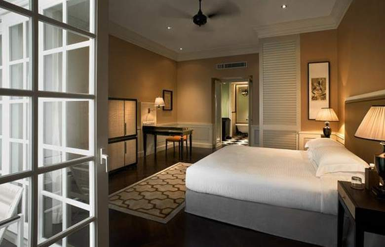 Eastern and Oriental Hotel Penang - Room - 9
