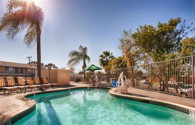 Best Western Continental Inn - Pool - 25