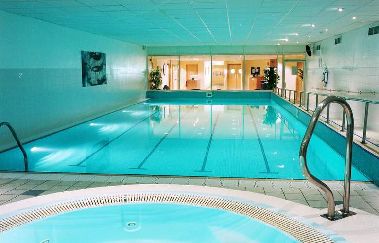 Holiday Inn Edinburgh - Pool - 2