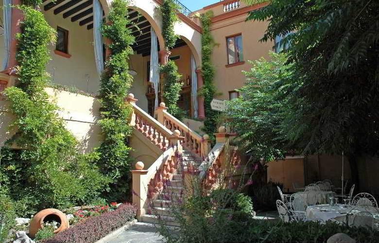 Andria - Terrace - 3