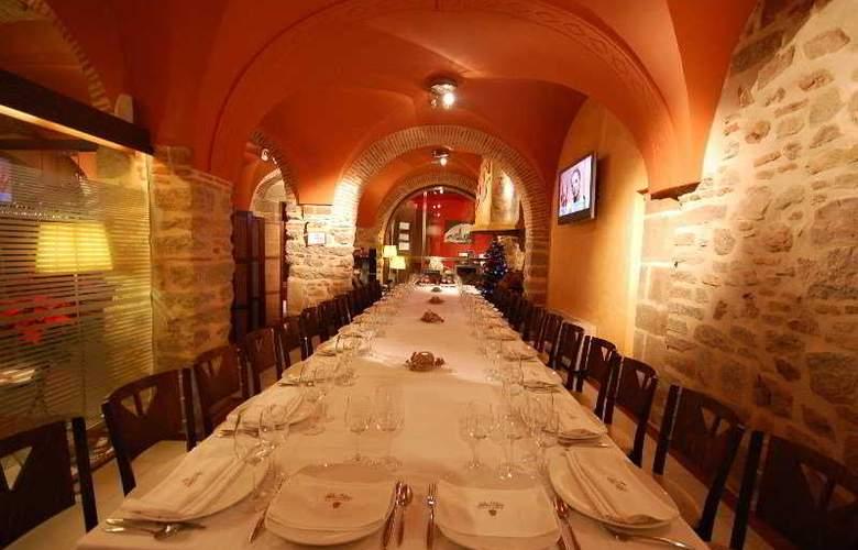 Los Usias Hotel - Restaurant - 5