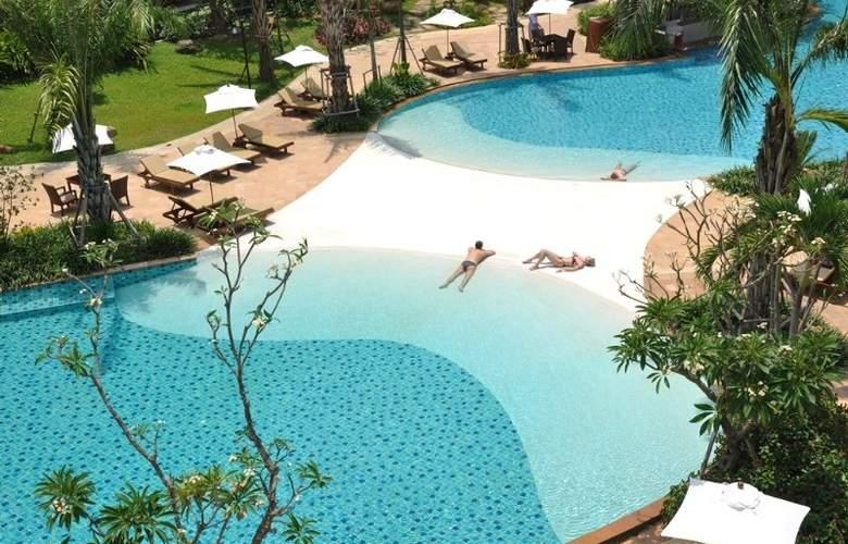 Ravindra Beach Resort & Spa - Pool - 6