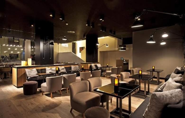 Grand Hotel Central - Restaurant - 4