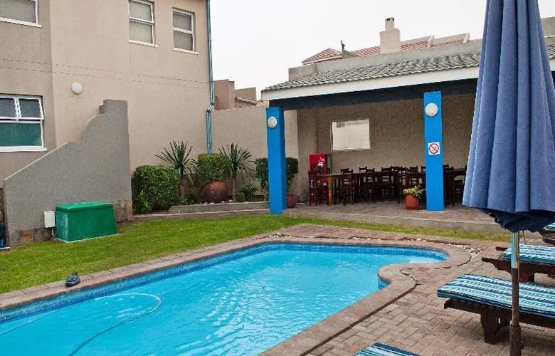 Protea Hotel Long Beach Lodge - Pool - 8