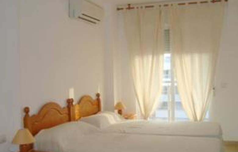 Apartamentos Paseo Marítimo - Room - 1