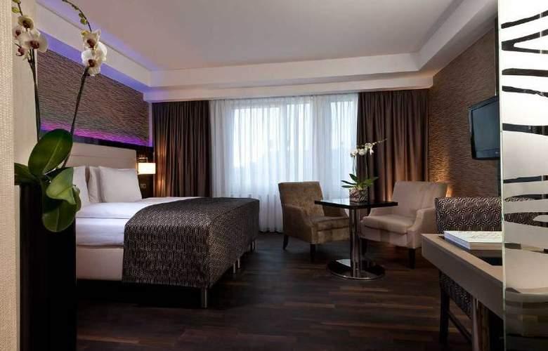 Palace Berlin - Room - 2