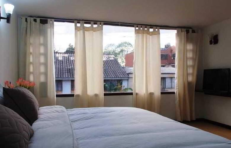 Chandelier - Room - 9