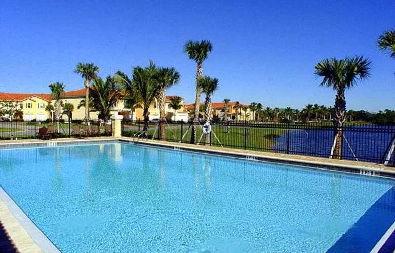 Universal Vacations Sail Harbor Condos - Pool - 7