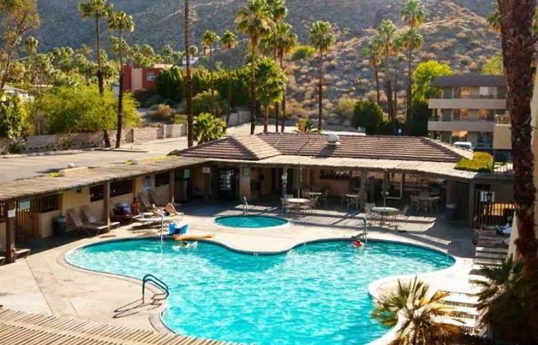 Vagabond Inn Palm Springs - Pool - 7