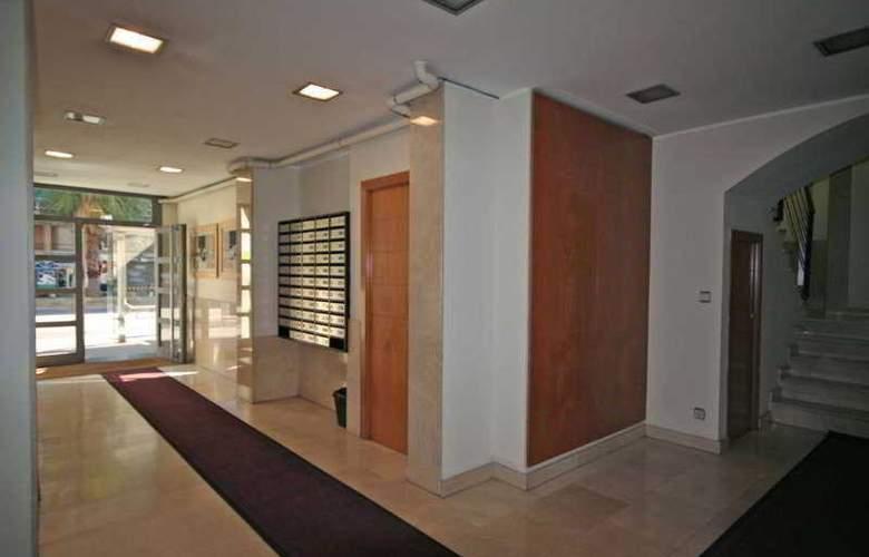 Madanis Apartments - Hotel - 0