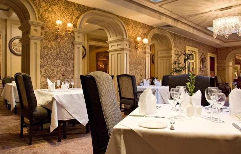 Buswells Dublin - Restaurant - 13