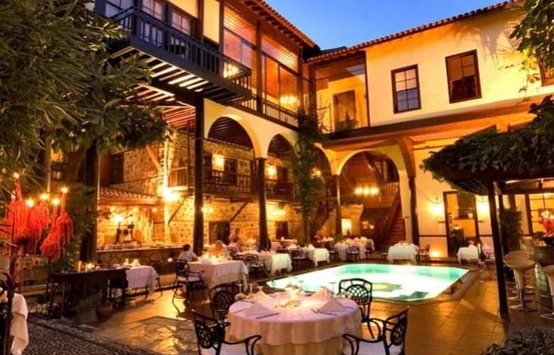 Alp Pasa Hotel - Terrace - 63