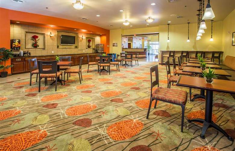 Best Western Plus Duncanville/Dallas - Restaurant - 110