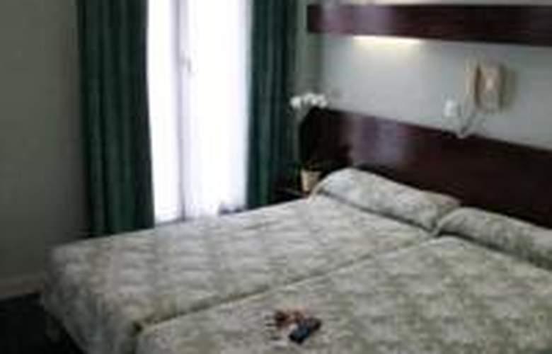 Est - Hotel - 1