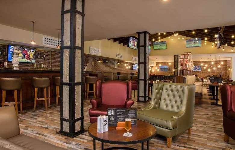 Grand Palladium Punta Cana Resort & Spa  - Bar - 26