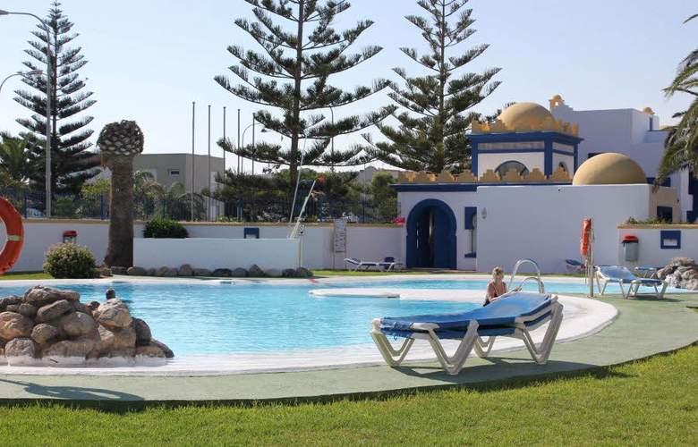 El Minarete Apartamentos - Pool - 2