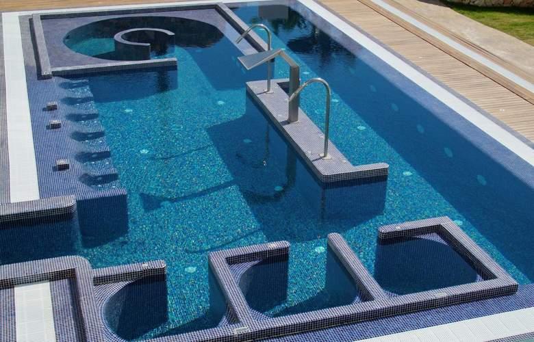 SH Villa Gadea - Pool - 22