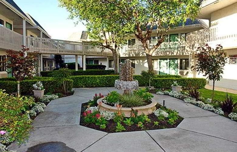 Motel 6 Monterey Marina - Hotel - 0