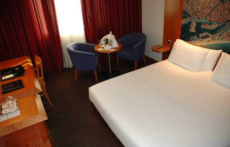 Abba Sants - Room - 11