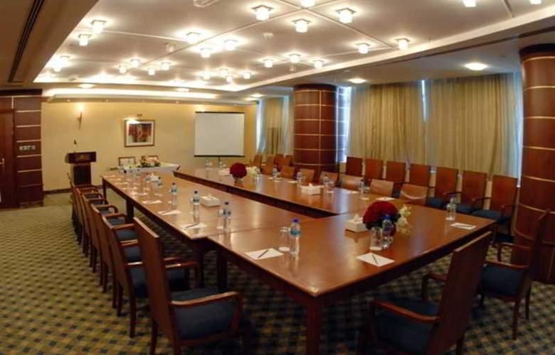 Royal Qatar - Conference - 20