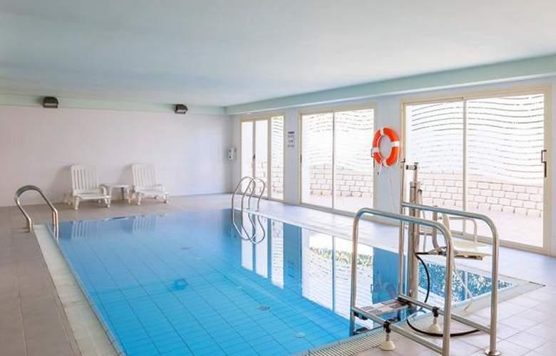 Pierre & Vacances Benidorm Poniente - Pool - 2