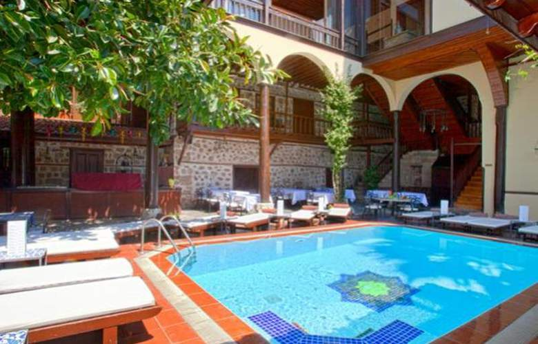 Alp Pasa Hotel - Pool - 43