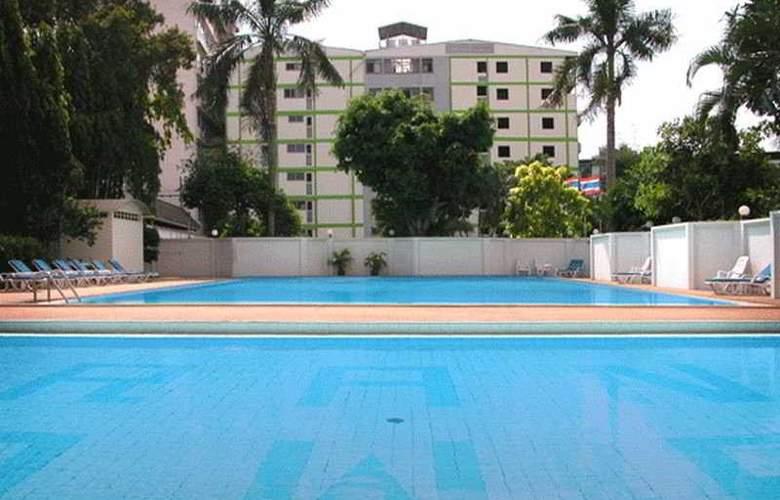 Grand Tower Inn Sukumvit 55 - Pool - 2