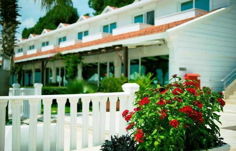 Flora Garden Beach Club - Hotel - 12