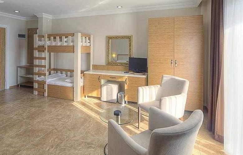 Risa Hotel - Room - 11