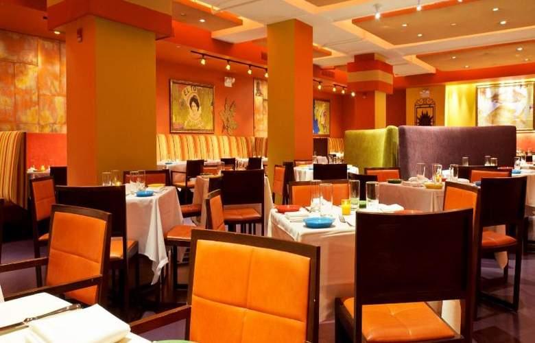 Excelsior Hotel - Restaurant - 11