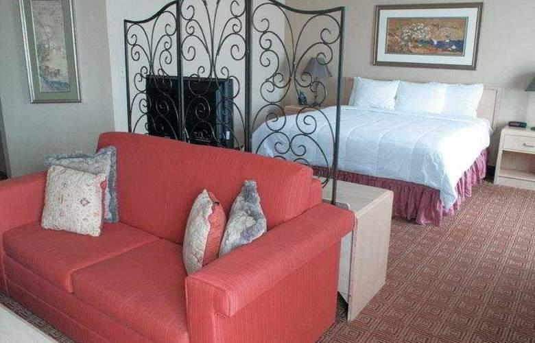 La Quinta Inn & Suites Garden City - Room - 5