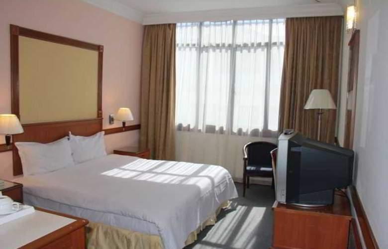 Grand City Hotel - Room - 6
