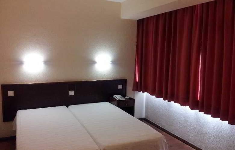 Delta - Room - 18