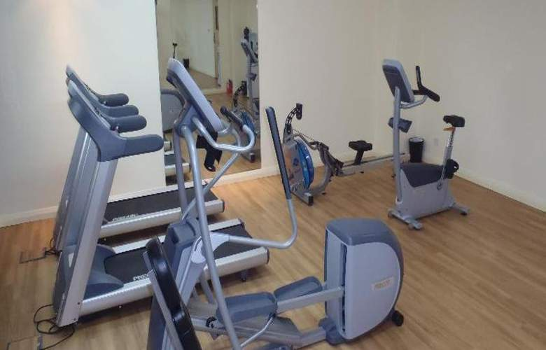 Premier Inn Dubai Investments Park - Sport - 7