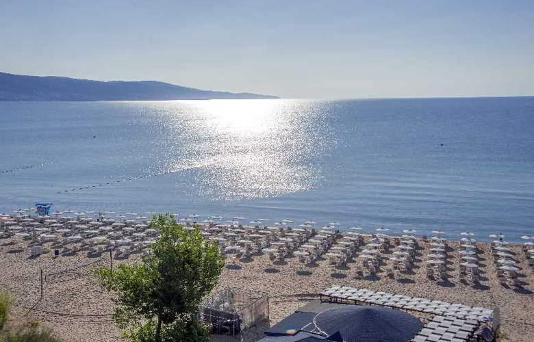 Viand - Beach - 4