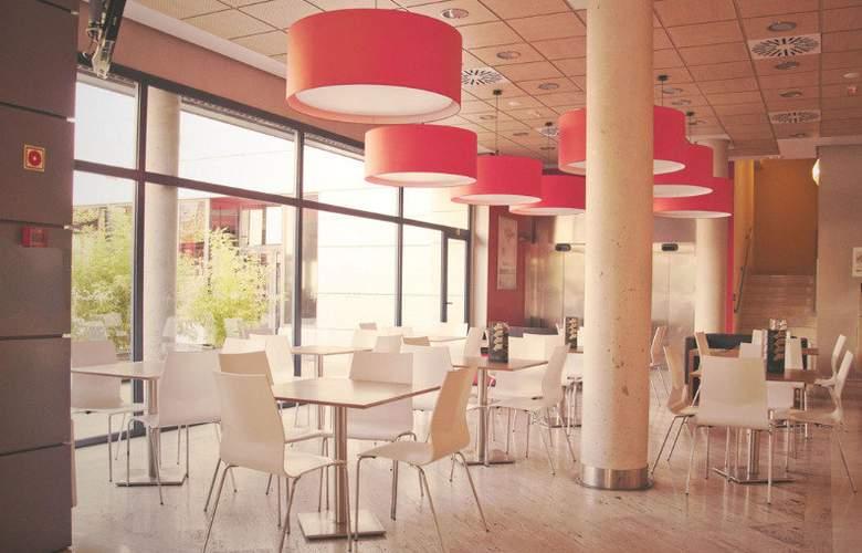 Travelodge Torrelaguna - Bar - 12