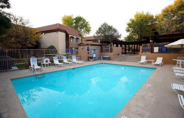 Best Western InnSuites Albuquerque Airport - Pool - 3