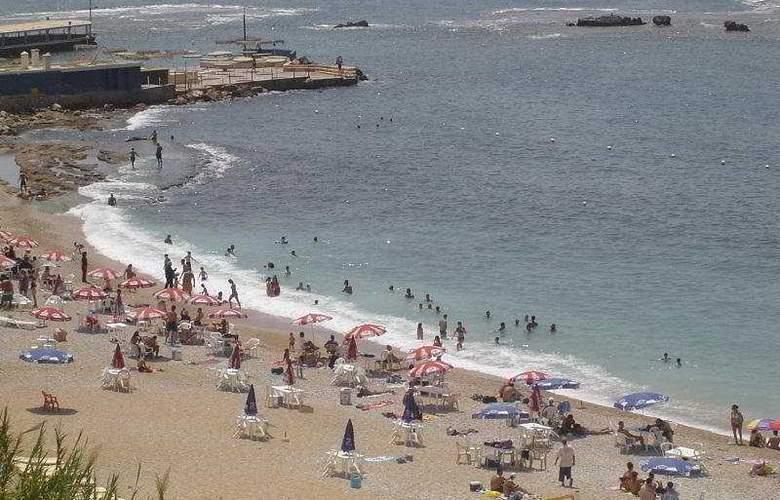 Ahiram - Beach - 1