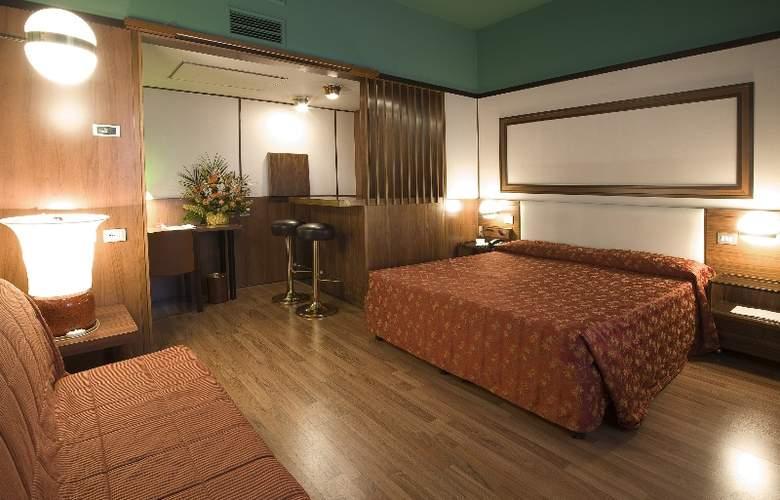 Grand Hotel Elite - Room - 5