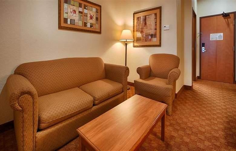 Best Western Plus San Antonio East Inn & Suites - Room - 112