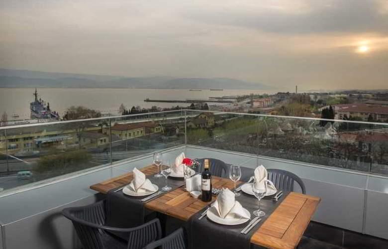 Wes Hotel - Restaurant - 34