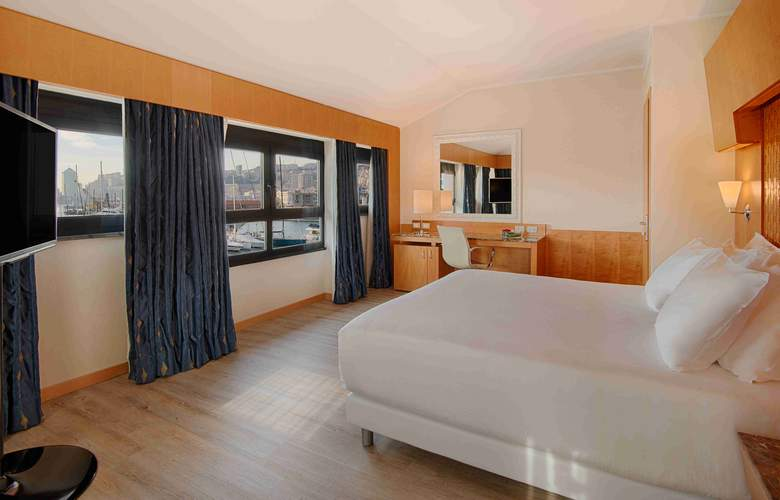NH Collection Genova Marina - Room - 9