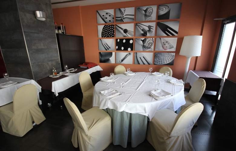 Vertice Aljarafe - Restaurant - 32