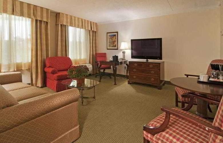 Best Western Plus White Bear Country Inn - Hotel - 47