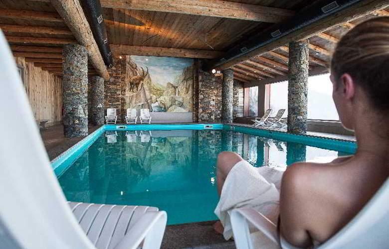 Pierre & Vacances Premium les Hauts Bois - Pool - 9