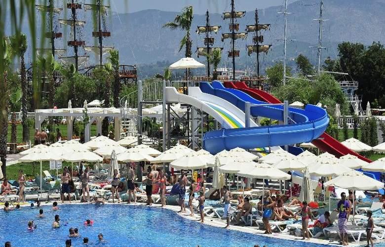 Lake & Riverside Hotel & Spa - Hotel - 7