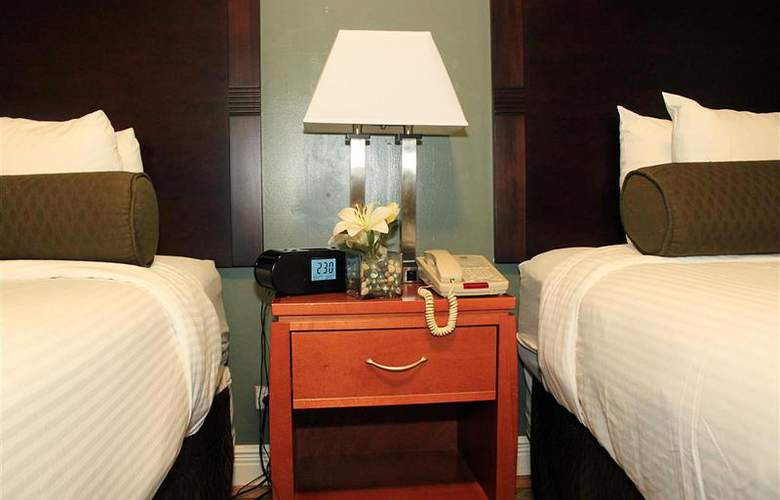 Best Western Plus Hospitality House - Apartments - Room - 92